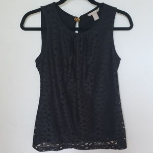 Black sleeveless woman's shirt